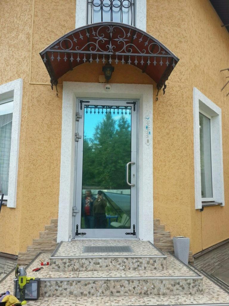 Реставрация и модернизация входной алюминиевой двери